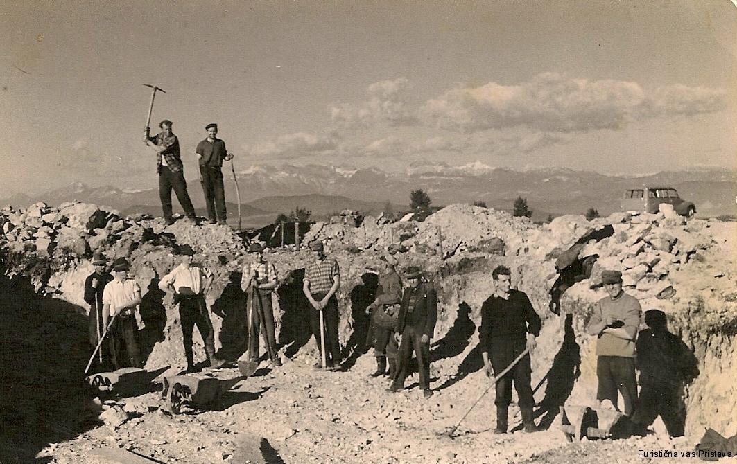 Začetek gradnje partizanskega doma