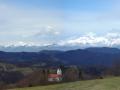 Kamniško Savinjske Alpe v ozadju