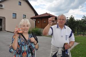 Glineni kozarci Turisticne vasi Pristava